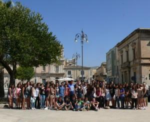 Sicile-Unis, jeunes françaisetsiciliensne fontquunseul groupe
