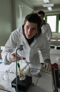Lycée Théas - Les laboratoires - Photo : Isabelle GABRIELI