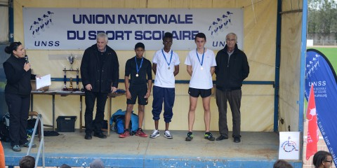 L'UNSS de l'Institut Familial au Cross départemental 2014 de Caussade